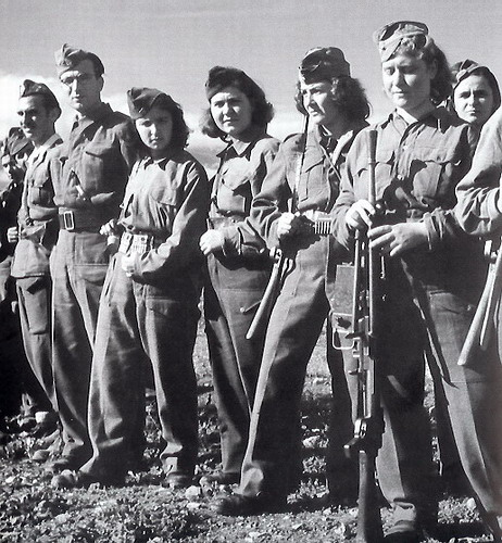 Women ELAS fighters in 1944