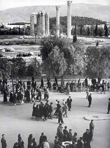 Funeral of Dekembriani Victims in Athens 1944